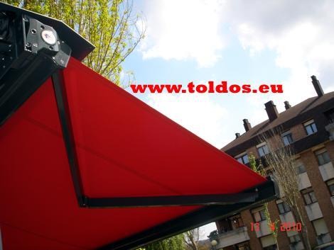 Toldos de brazo invisible cofre en Bilbao